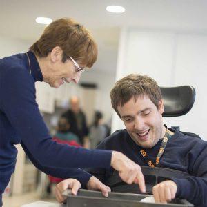 aidant-avec-personne-handicape